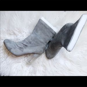 Suede Clear heels Boots